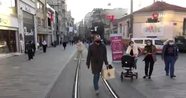 İstiklal Caddesi kısıtlamayla birlikte turistler kaldı