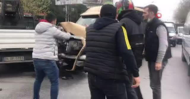 Kaza sonrası kavga anları kamerada