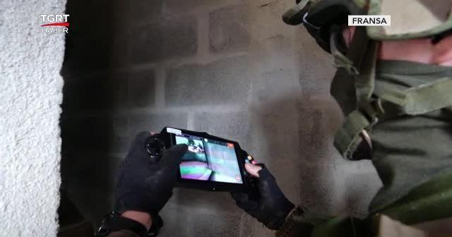 Robotlar eşliğinde askeri tatbikat