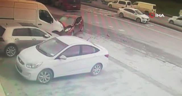Tır metrelerce sürükledi, sürücü arkasına bile bakmadan kaçtı