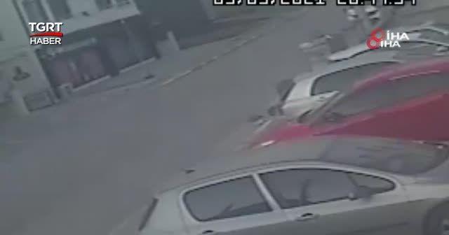 Eski eşini sokakta beyzbol sopasıyla dövdü