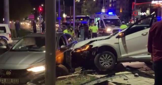Kaza yaptı sürücüye tamponla saldırdı