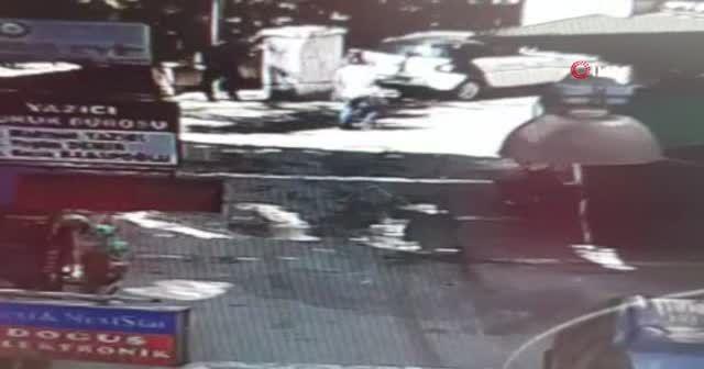 Sokakta rastgele ateş açtı kendini vurdu
