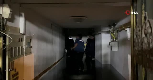 Sakarya'da hareketli gece: Polisi görünce kendilerini tekel bayisine kilitlediler