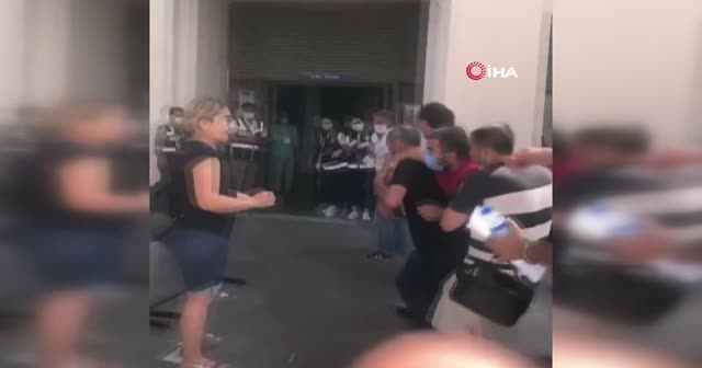 Engelli genci kucaklarında koşarak sınava yetiştirdiler