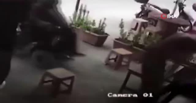 Engelli vatandaşı dövdü serbest bırakıldı