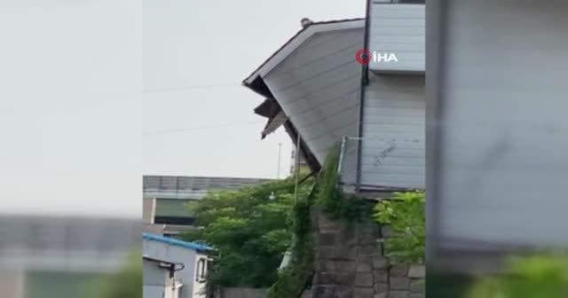 Japonya'da iki bina çöktü facianın eşiğinden dönüldü