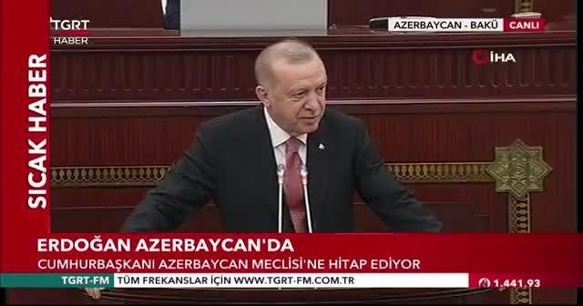 Erdoğan'ın okuduğu şiir ayakta alkışlandı