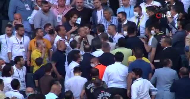 Fenerbahçe'de kongre öncesinde aidat gerginliği
