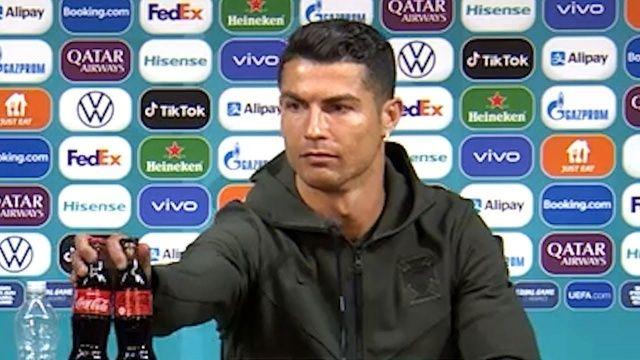 Ronaldo'nun kola tepkisi 4 milyar dolar zarar ettirdi