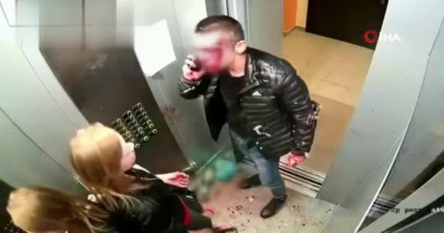 Asansördeki kanlı kavgası temizlikle bitti