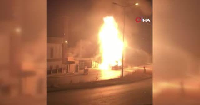 Başakşehir'de İETT otobüsü alev alev yandı