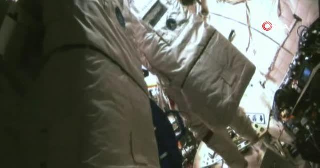Çinli astronotlar ilk uzay yürüyüşünü gerçekleştirdi