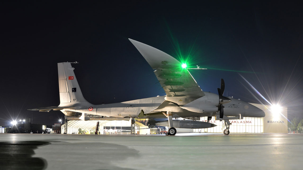 Bayraktar AKINCI TİHA, 1360 kilo faydalı yükle uçtu