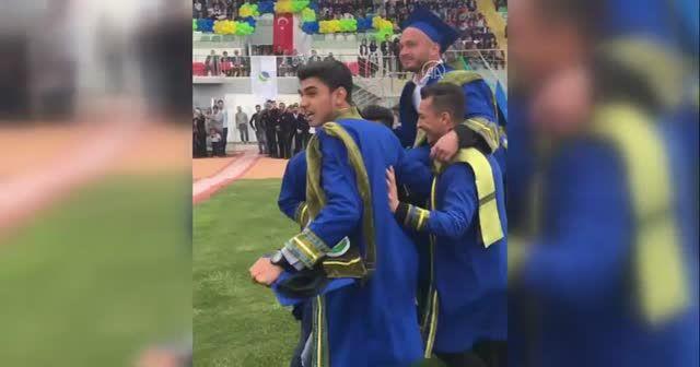 Şehit askerin mezuniyet görüntüleri ortaya çıktı