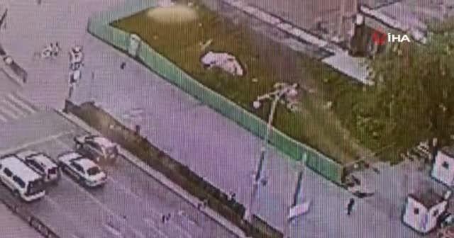 Rusya'da otomobille yarışan motosiklet alev topuna döndü