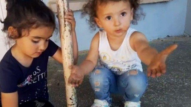 2 yaşındaki çocuk 'moda moda' diyerek sosyal medya fenomeni oldu