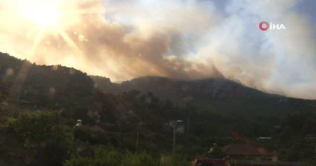 Burdur'da yangın nedeniyle bir mahalleye tahliye