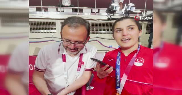 Cumhurbaşkan Erdoğan, Busenaz Sürmeneli'yi tebrik etti
