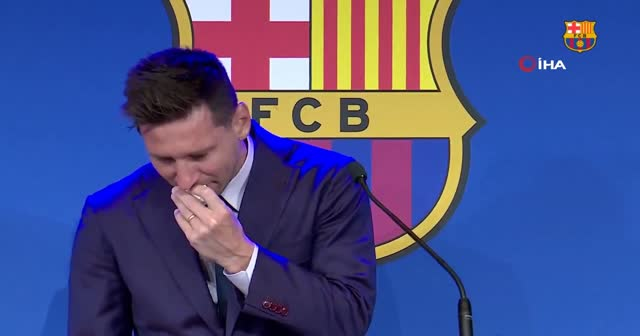 Lionel Messi, Barcelona'ya gözyaşlarıyla veda etti!