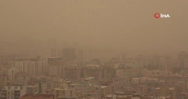Mardin'i toz fırtınası vurdu