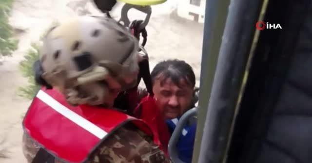 MSB: 681 vatandaşımızın helikopterlerle tahliyesi gerçekleştirildi