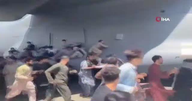 Uçaktan düşen iki Afgan'ın kardeş oldukları ortaya çıktı