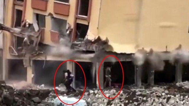 Çöken binanın altında kalmaktan son anda kurtuldular