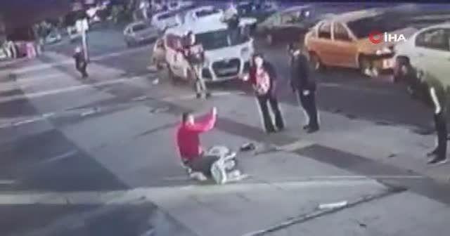 Eski koca terörü: Sokak ortasında 10 yerinden bıçakladı