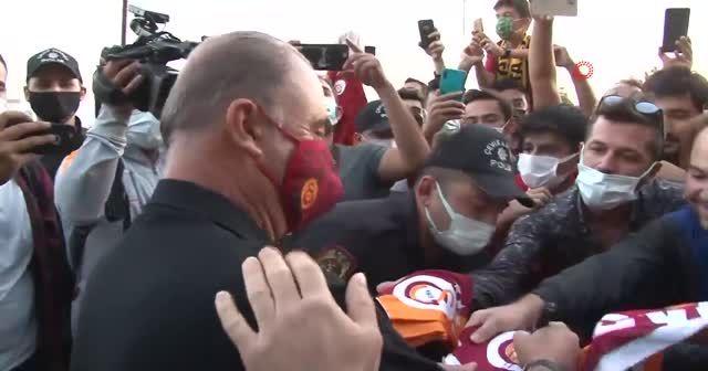 Galatasaraylı taraftarlardan Fatih Terim'e destek!
