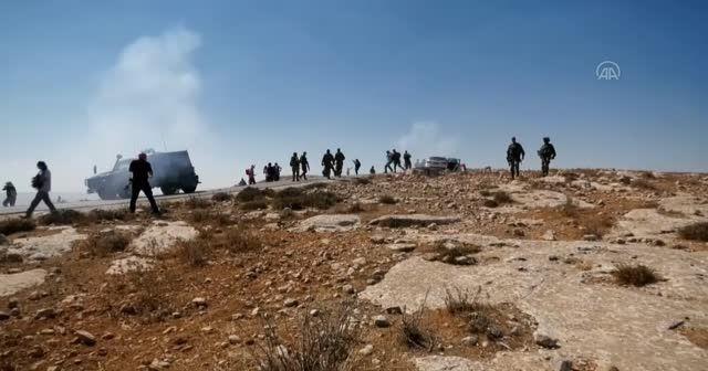 İsrail Filistinlileri gaza boğdu: 3 yaralı