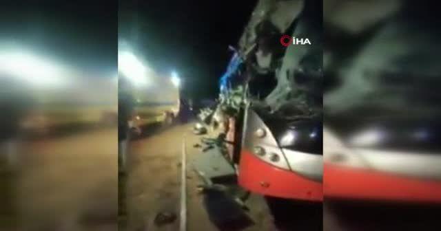 Mısır'da otobüs devrildi: 12 ölü 38 yaralı