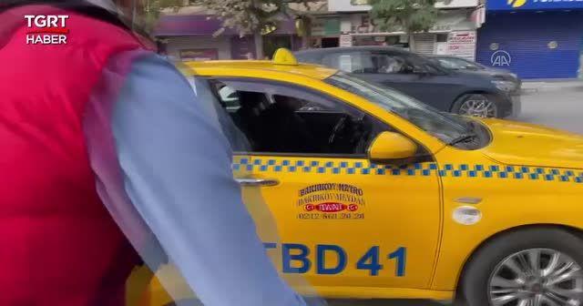 Taksici ile müşteri arasında kısa mesafe kavgası