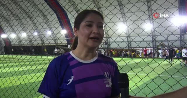 'Kadınlar futboldan anlamaz' algısını yenmek için sahaya çıktılar