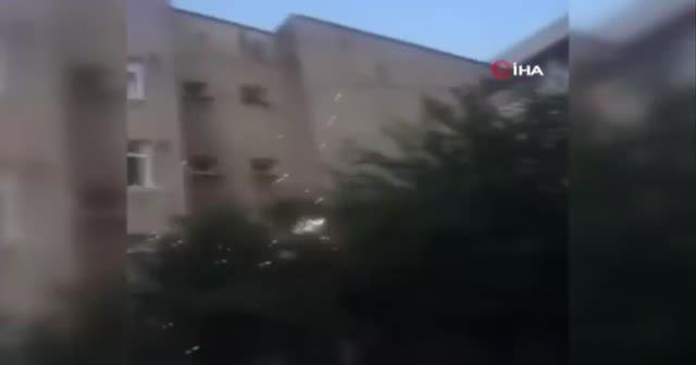Bina yıkımında ortalık savaş alanına döndü