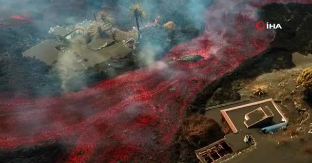 Cumbre Vieja Yanardağı'ndan çıkan lavlar onlarca evi yuttu