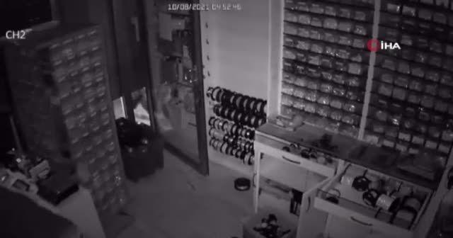 Fatih'te 1 milyonluk liralık gümüş hırsızlığı