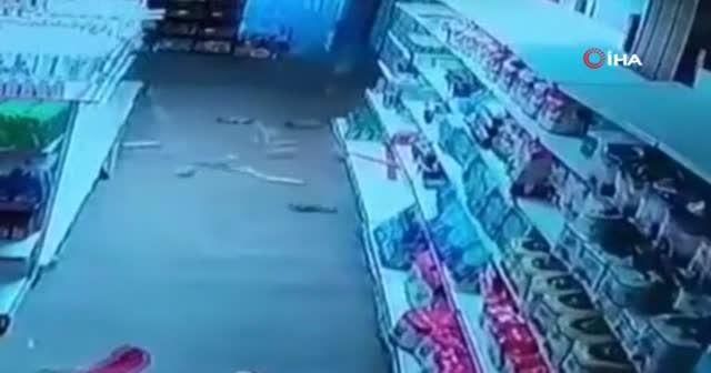 İran'da 5.7 büyüklüğünde deprem: 12 yaralı