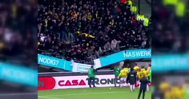 Hollanda'da galibiyet kutlaması sırasında tribün çöktü
