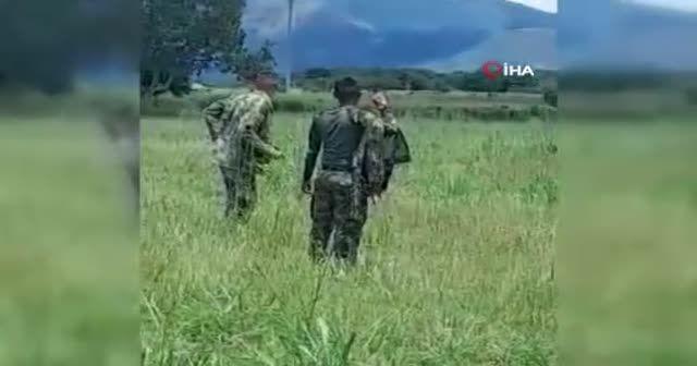 Kolombiya'da paraşütü açılmayan asker yere çakıldı