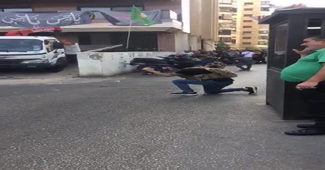 Lübnan'da öğrenciler çatışmanın ortasında kaldı